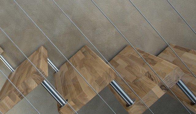 Een houten trap zandstralen?