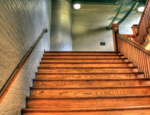 Houtworm in de trap: zo kom je er vanaf