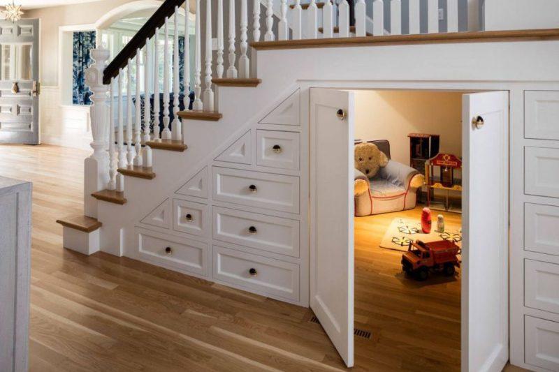 speelhoek onder de trap