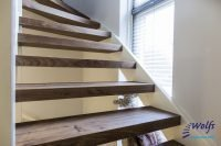 Vlekken van de trap verwijderen: zo doe je het