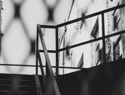 Gewaagd & stoer: een horizontale leuning voor je trap